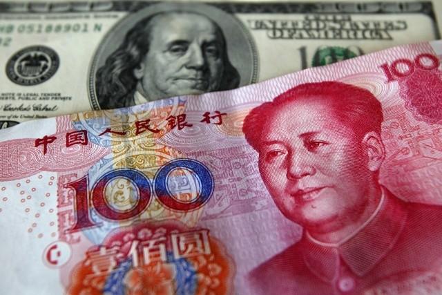 Китайский юань и американский доллар