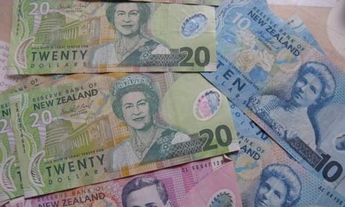 Новозеландские доллары