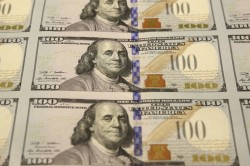 Печати на банкноте сто долларов