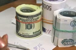 Валюта США и России